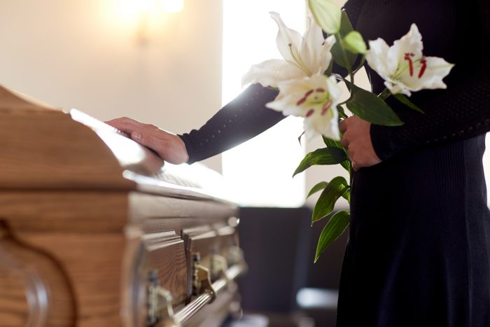 What are the Benefits of Using an Independent Funeral Director?